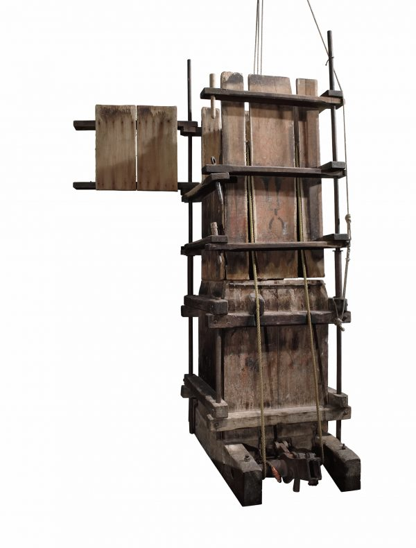 Wool press, circa 1860, Australia, maker unknown. Purchased 1991. CC BY-NC-ND licence. Te Papa (T000468)