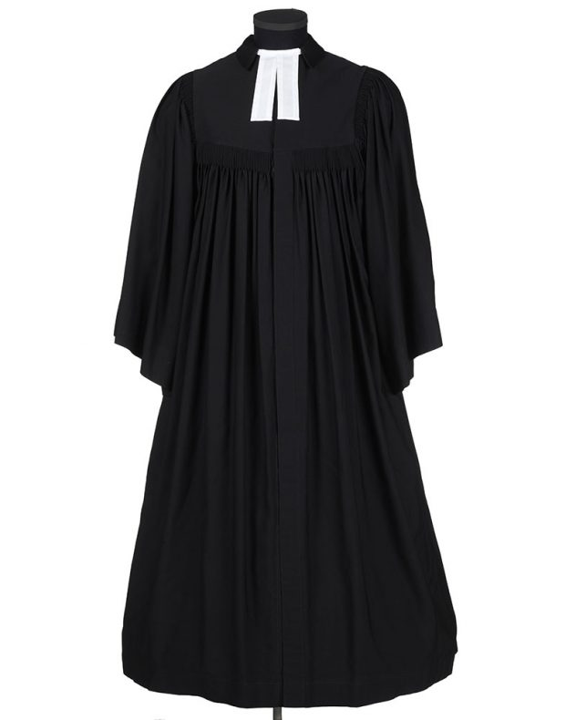 Minister's gown, circa 1938, Berlin, by Otto Weber. Gift of the Reverend Denzil J Brown, 2006. CC BY-NC-ND licence. Te Papa (GH015487)