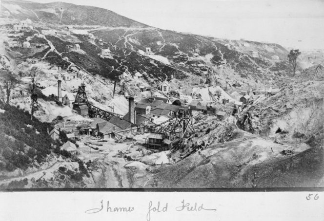 Gold mining batteries, Moanataiari Valley, Thames, around 1880.