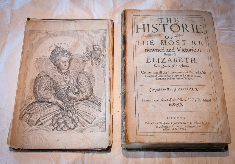 Elizabeth I of England. Plate 1. From the Book: The historie of the most renowned and victorious Princesse Elizabeth, late queene of England, 1630, London, by William Camden, B Fisher. Te Papa (RB001301/001a)