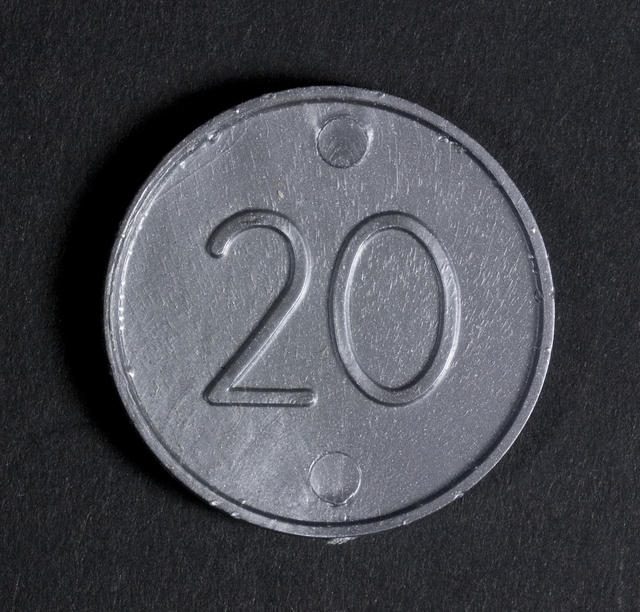 Practice money, 20c coin (reverse), 1967, New Zealand, by Decimal Currency Board. Te Papa (GH023090/17)