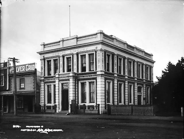 Palmerston North library building from the early 1900s
