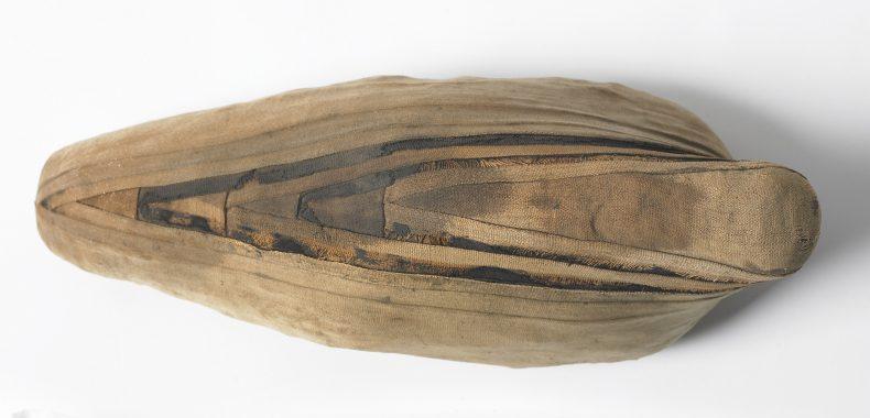 Mummified ibis package, Roman Period (ca. 150 CE), Te Papa FE001738 [licence CC BY-NC-ND 4.0].