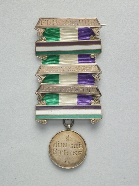 Women's Social and Political Union Medal for Valour, 1912, England, by Toye & Co. Purchased 2016. CC BY-NC-ND 4.0. Te Papa (GH024772)