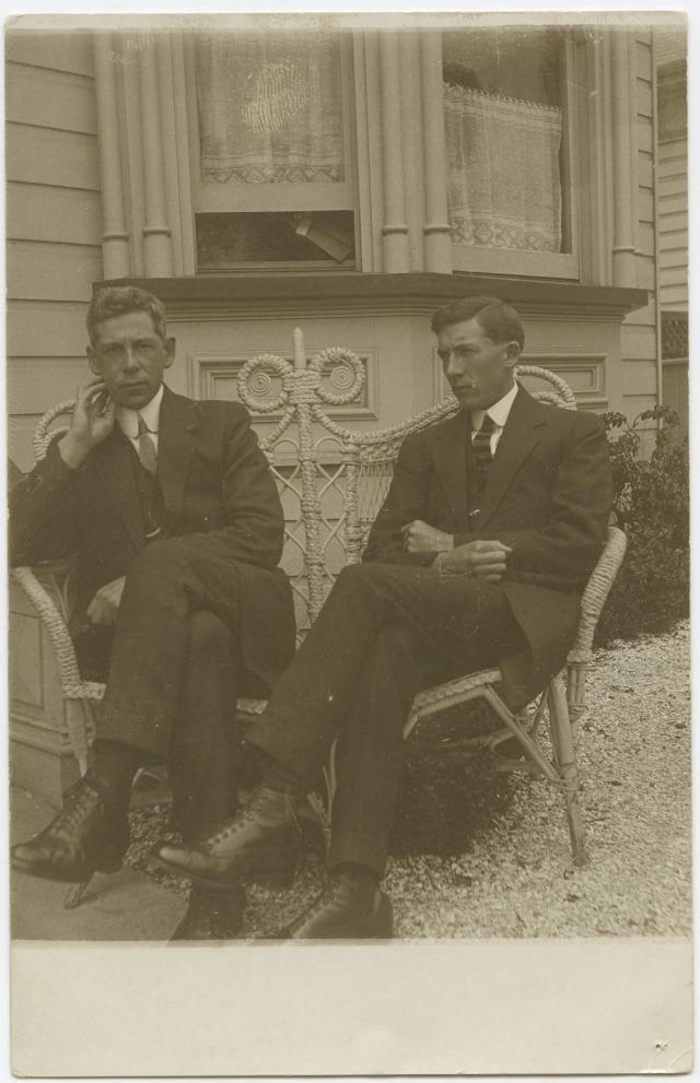 Leddie and Owen Le Gallais. Photographer unknown. Tāmaki Paenga Hira Auckland War Memorial Museum (PH-1995-2-31)