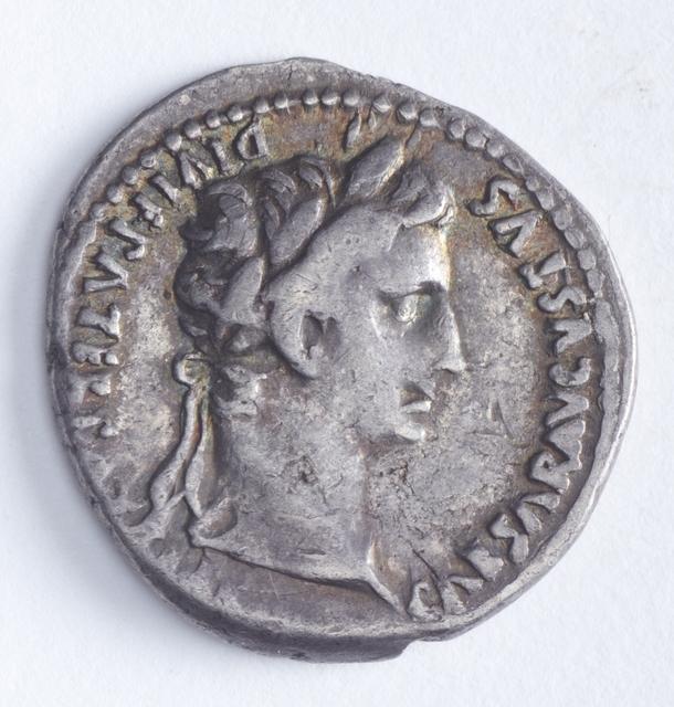Denarius, 2 BC-circa 13 AD, maker unknown. CC BY-NC-ND 4.0. Te Papa (NU002278)