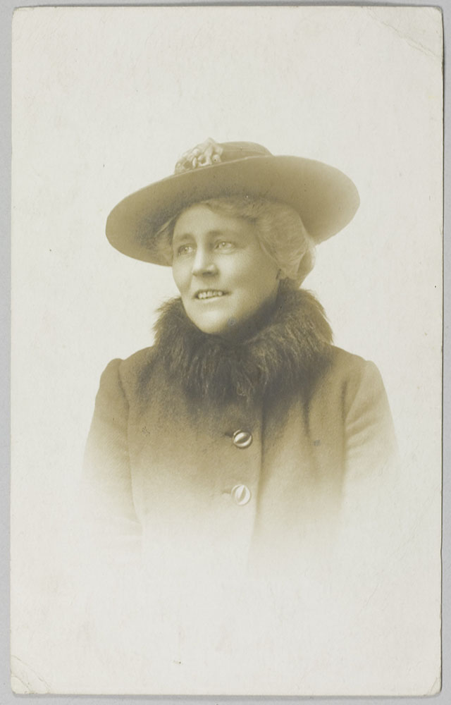 Photographic portrait of Miss Sybil Mary Lee