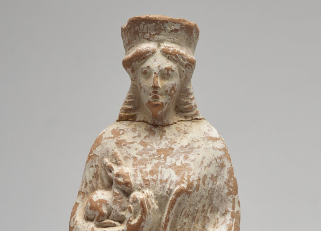 Clay sculpture of Artemis with an obvious break-line at the neck