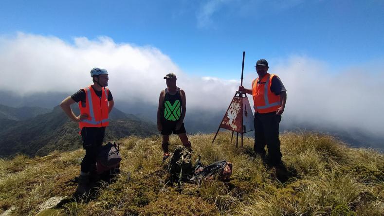 Ant, Wiremu and Graeme on the summit of Whanokao, Dec 2020. Photo by Heidi Meudt @ Te Papa.