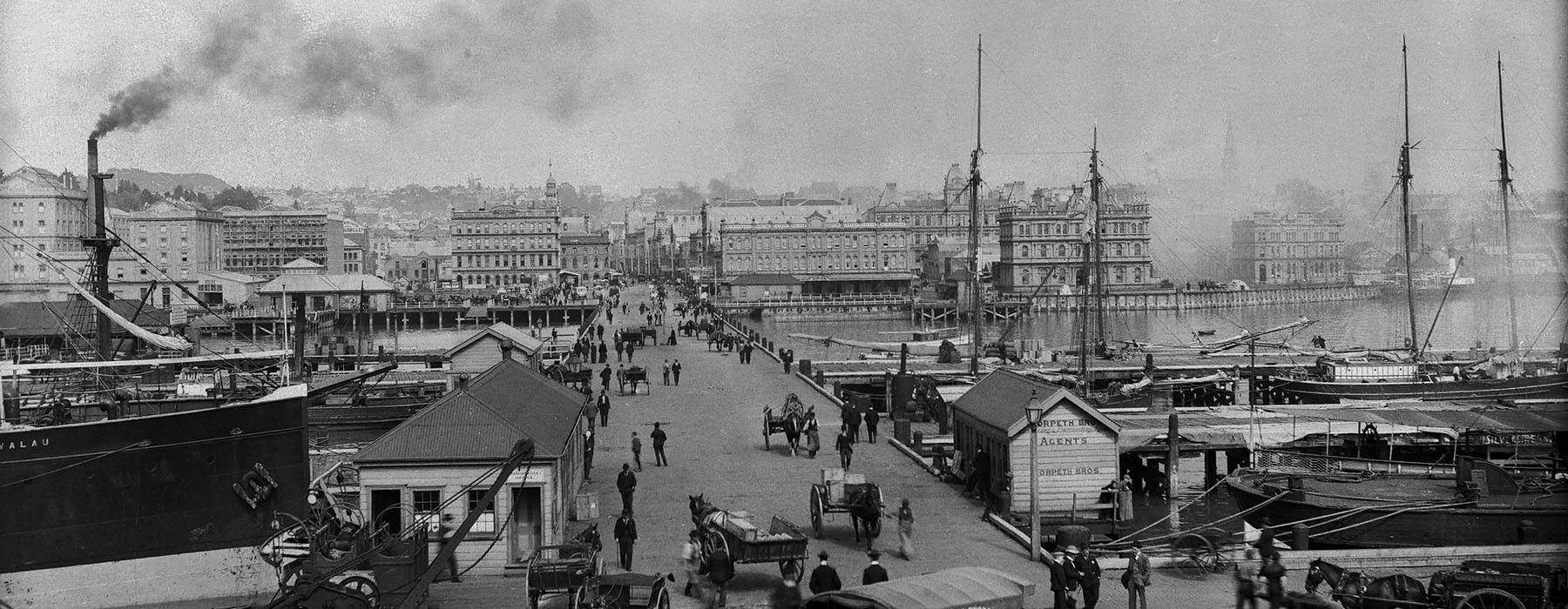 View of Auckland wharfs looking towards the town centre, in the 1890s